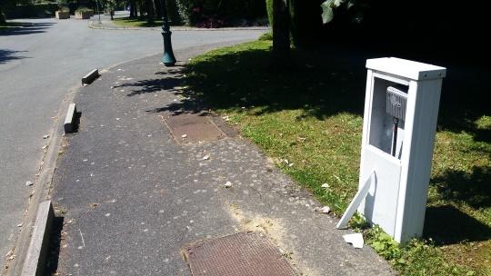 Vandalisme sur le boitier TNT hors sol rue Kipling 1